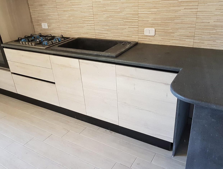 Ripiano cucina e Lavello da incasso in pietra lavica - PETRAM